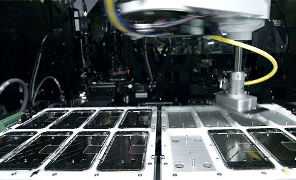 роботы для сборки iPhone 6