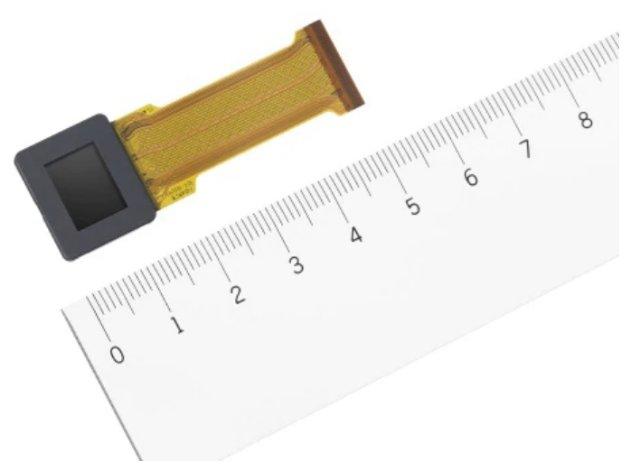 OLED-электронный видоискатель (EVF) с разрешением 5,6 млн. точек